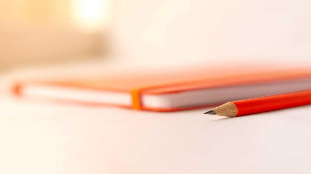 Muistivihko ja kynä